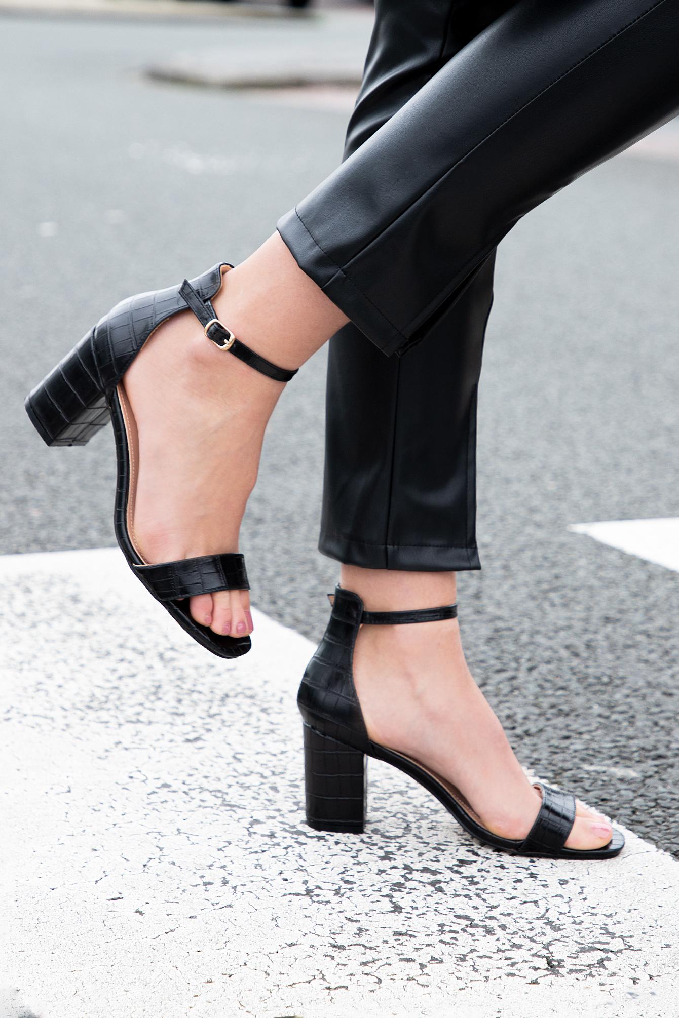 Croco sandaal zwart