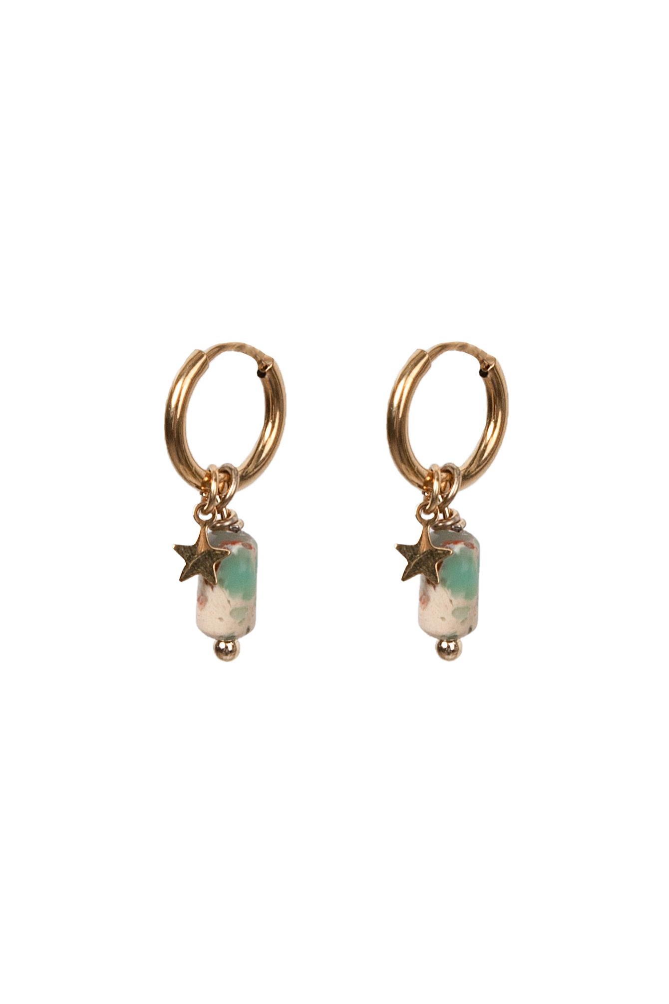 Earring green stone