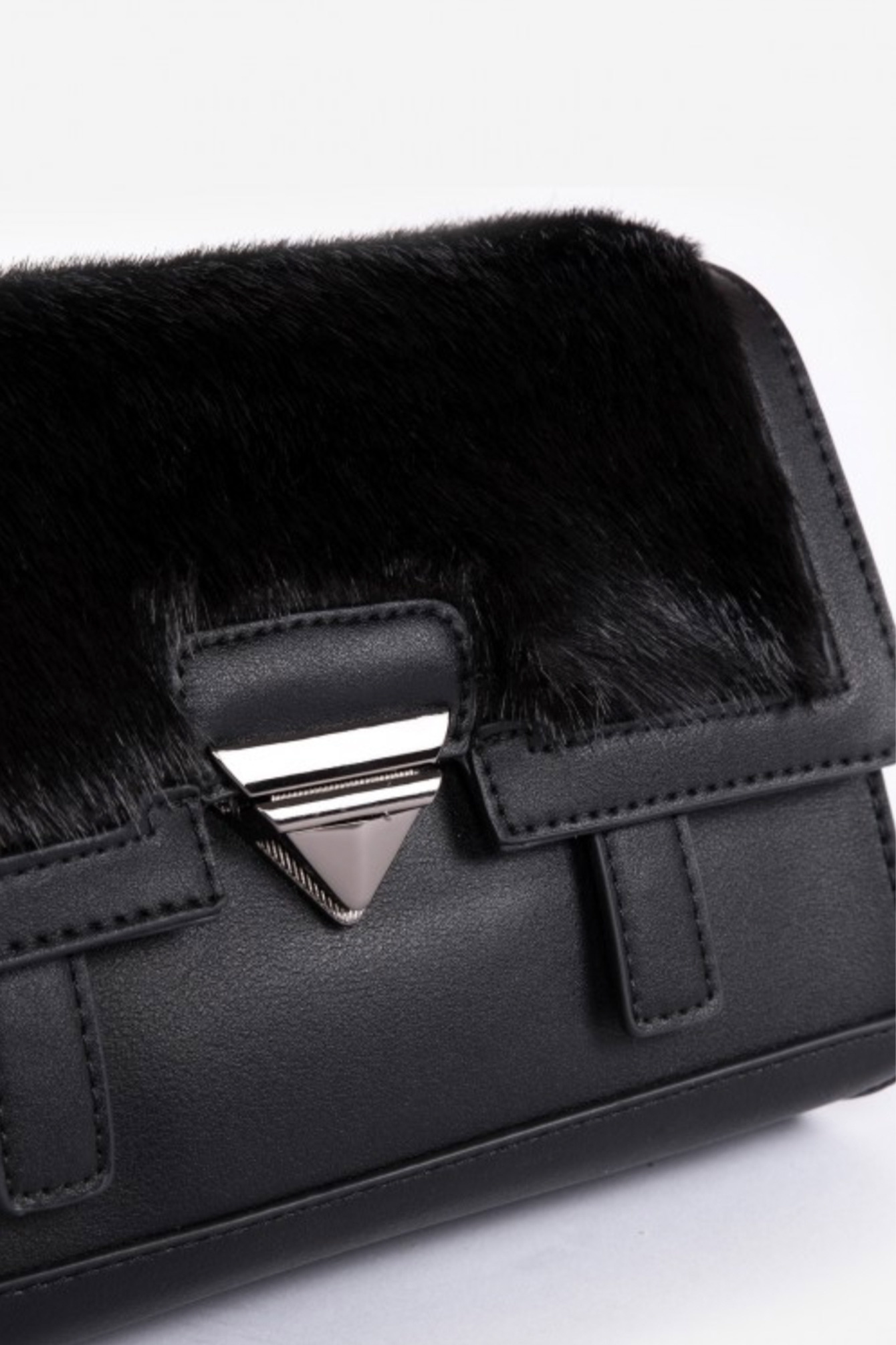 Faux fur bag black