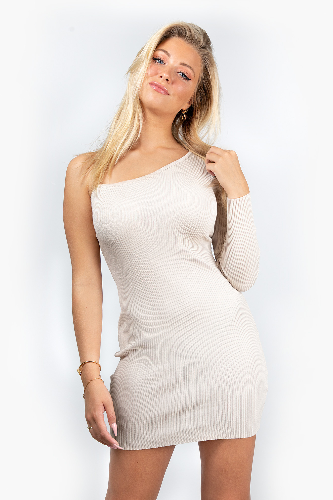 Dress one sleeve beige