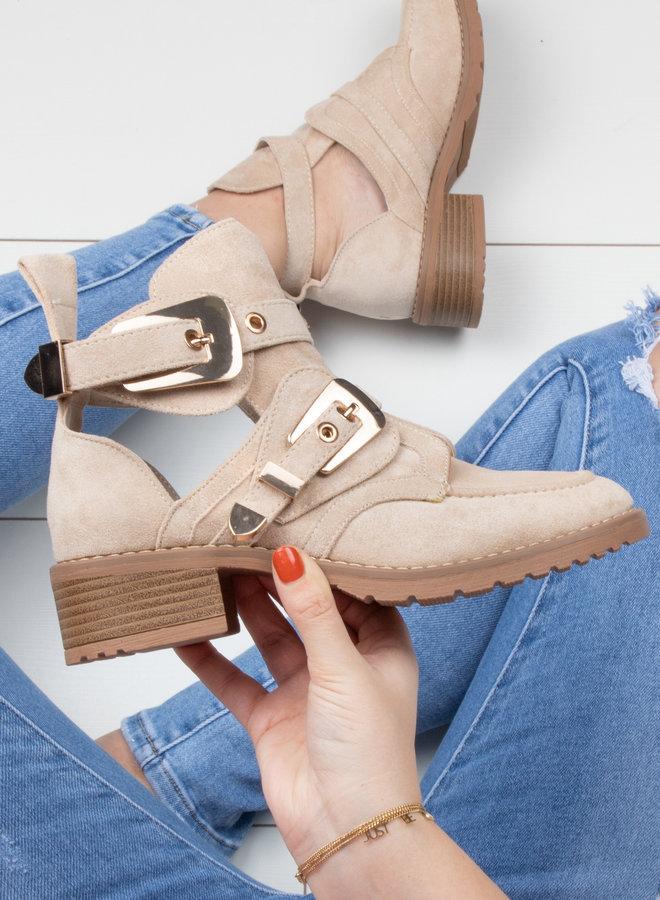 Cut out boots beige
