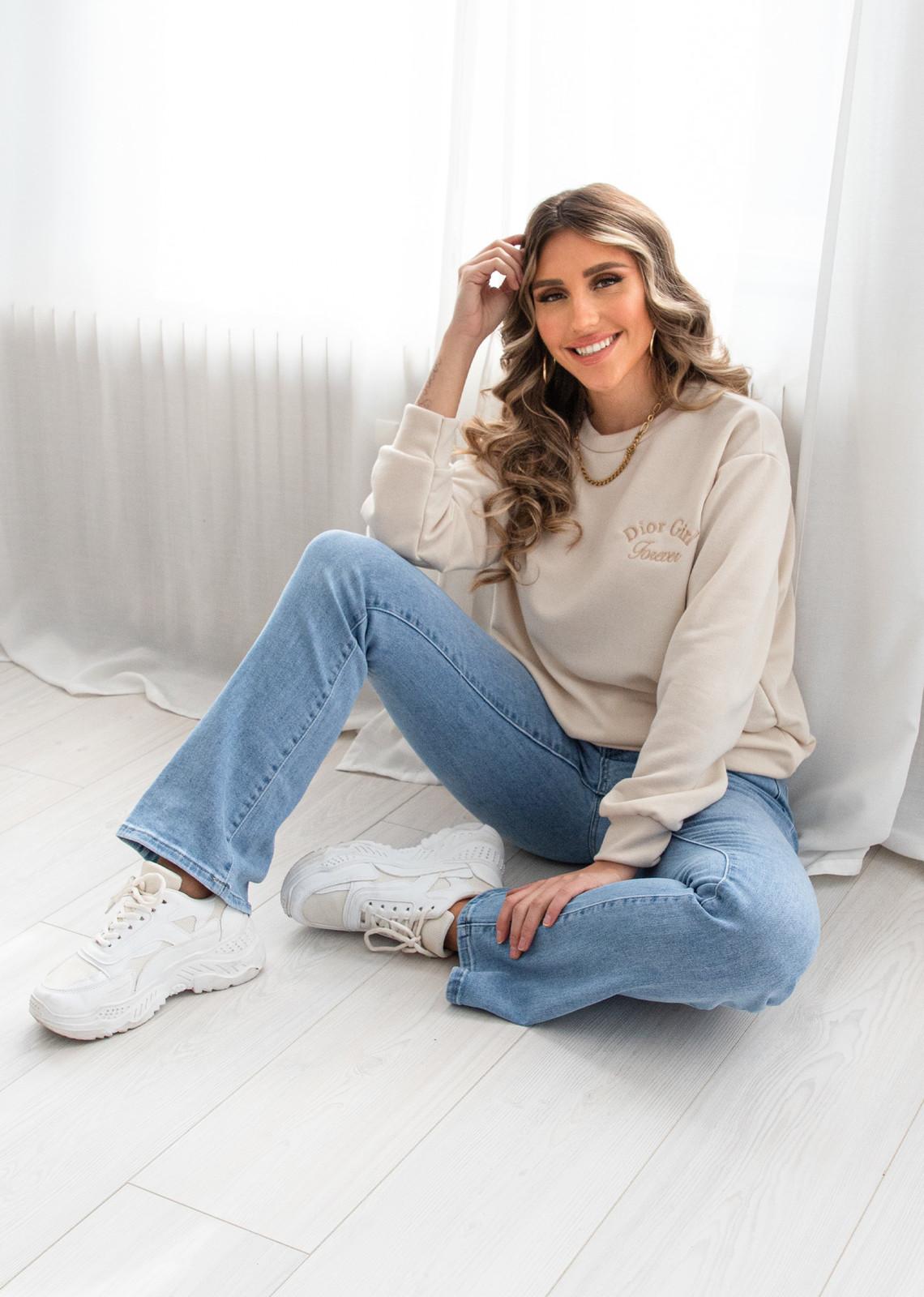 D Girl Forever sweater beige