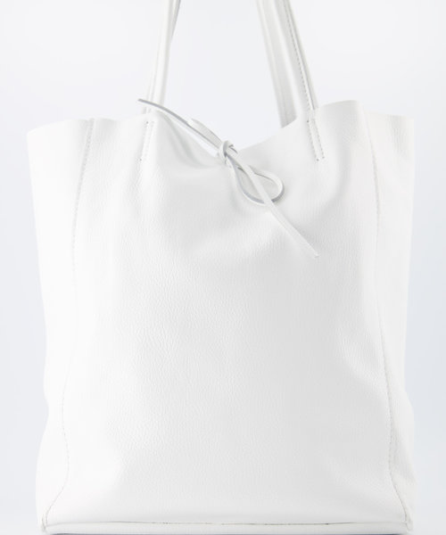 Mia - Classic Grain - Shoulder bags - White - D01 -