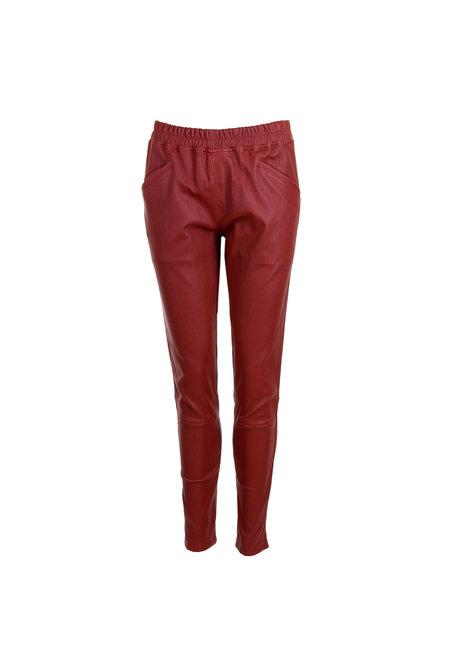 Suite 22 broek Art rood
