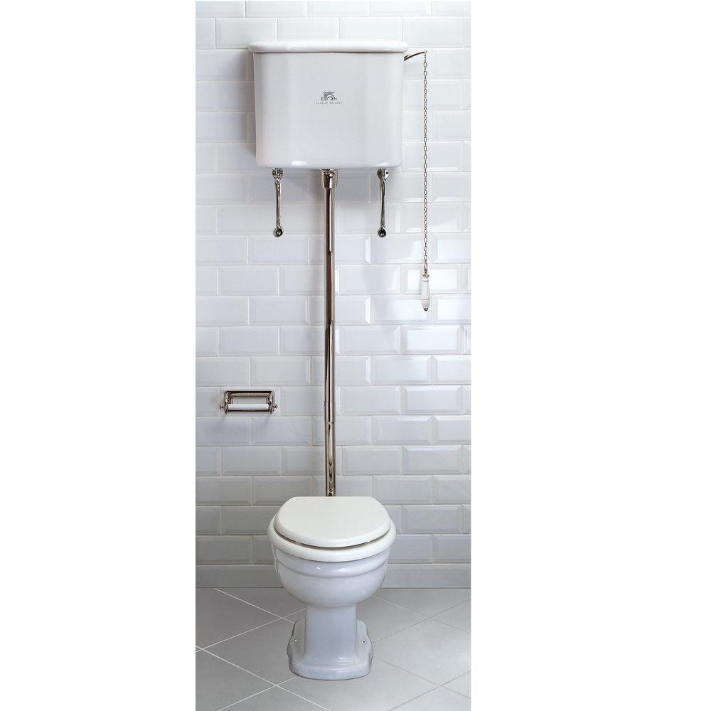 Lefroy Brooks 1910 La Chapelle LB La Chapelle toilet met hooghang reservoir