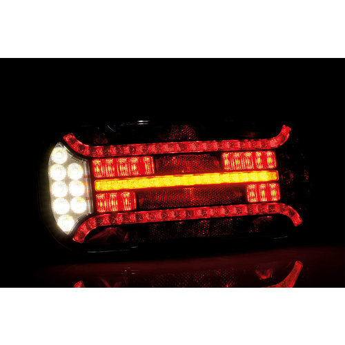 LED Achterlicht (R) met driehoek reflector & kent.   12-24v  