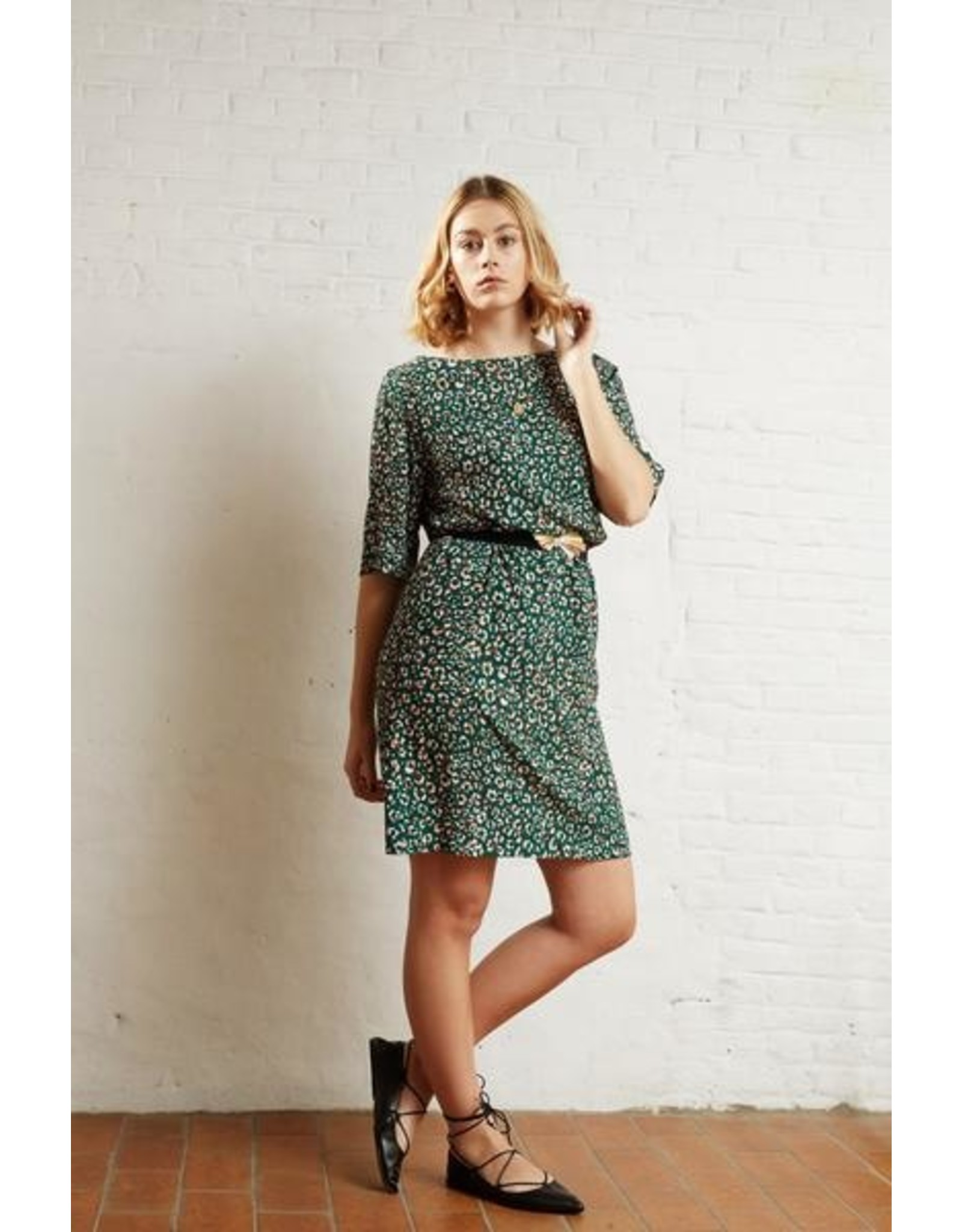 Atelier Jupe Green viscose with animal