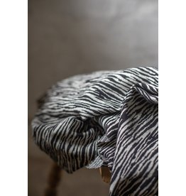 Mind The Maker Organic bark jaquard black & sand