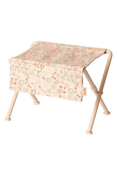 Mailig - Nursery Table