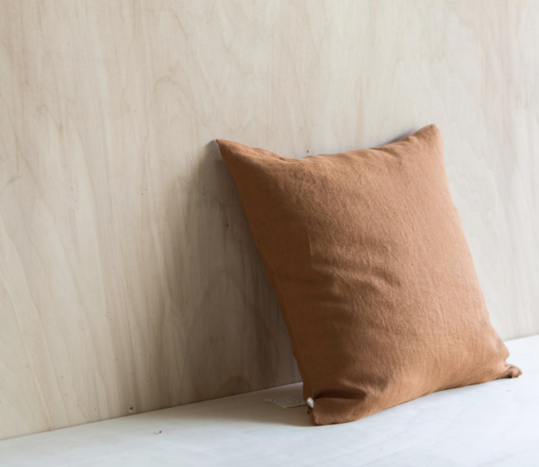 Linen Cushion Caramel-1