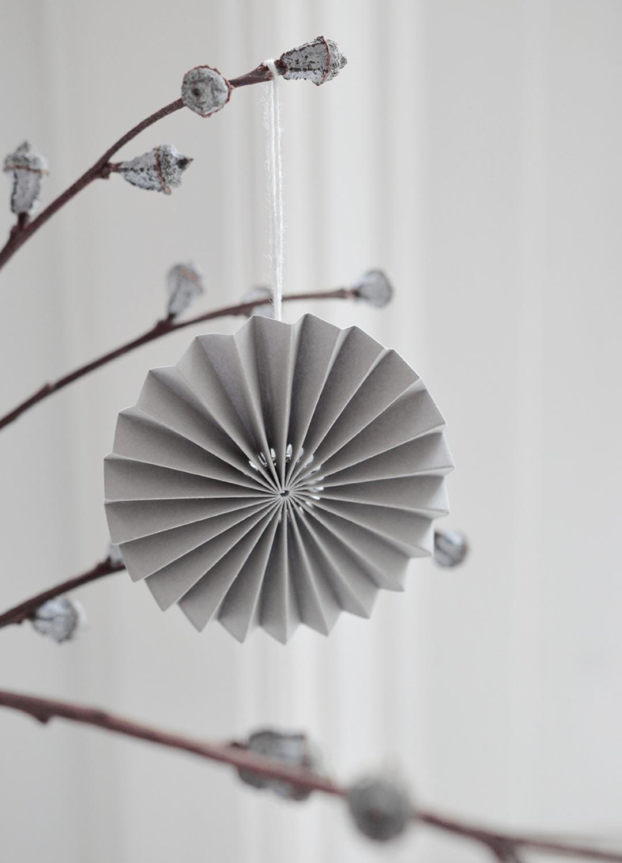 Papieren Ornament Lichtgrijs - Delight Department-2
