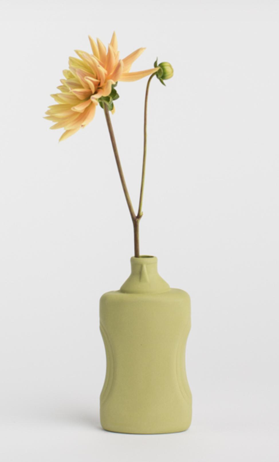 Porseleinen Flesvaas Mosgroen #21 - Foekje Fleur-2