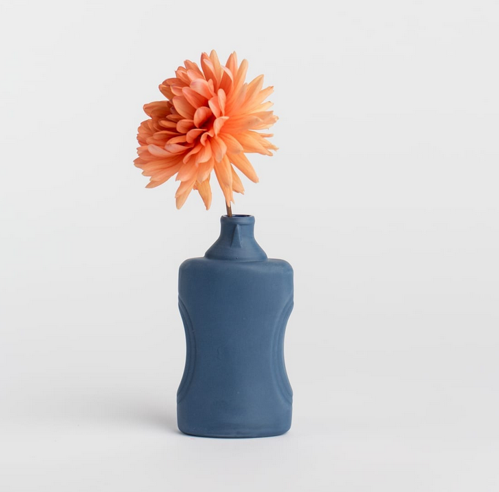 Porseleinen Flesvaas Donkerblauw #21 - Foekje Fleur-2