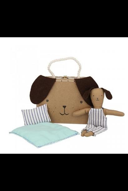 Hond In Koffertje