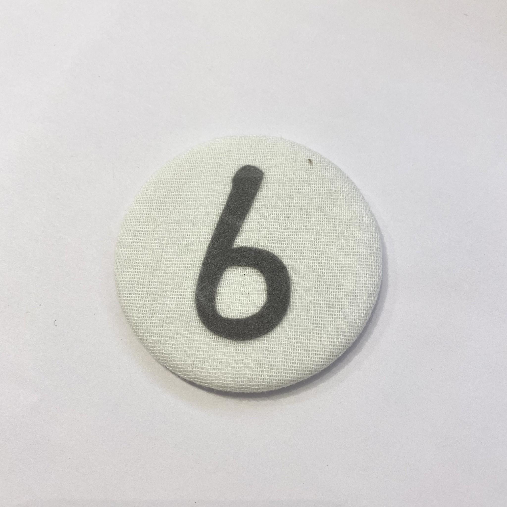 Cijferbutton 6 Grijs - Liezelijn-1
