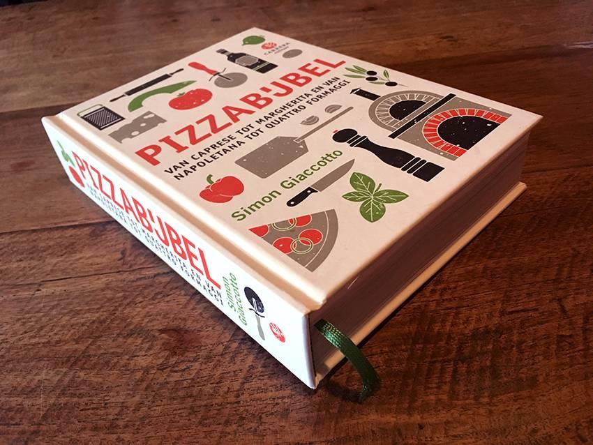 Pizzabijbel door Simon Giaccotto