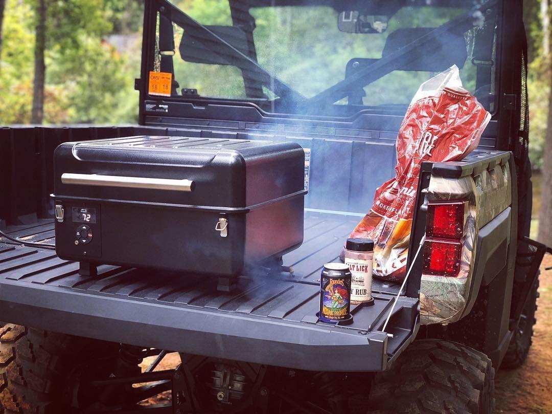 Traeger grills Ranger portable pellet smoker en barbecue