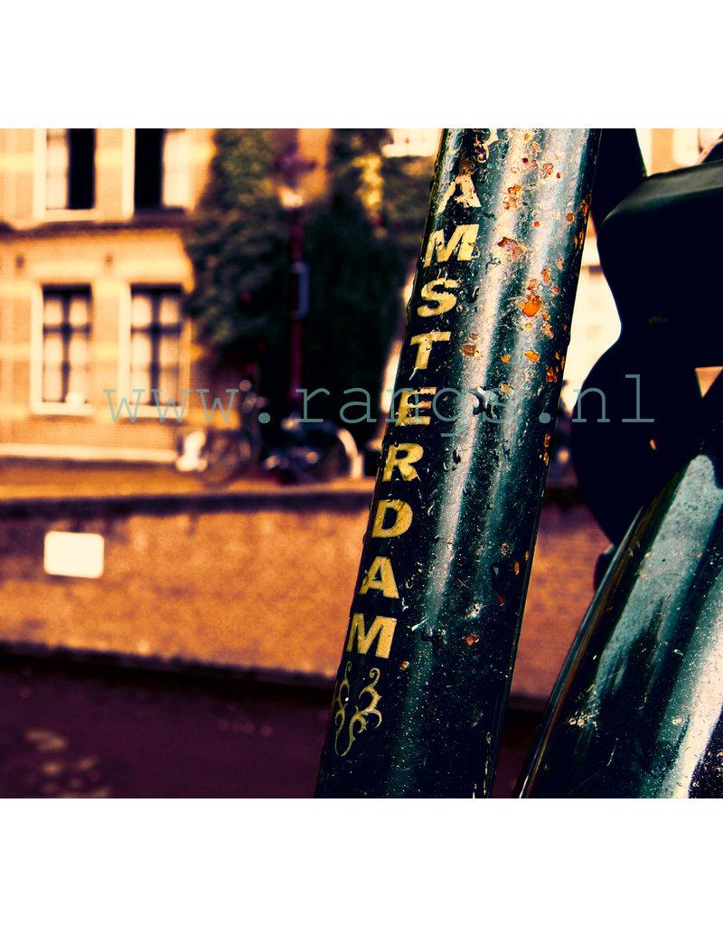 fiets met Amsterdam letters