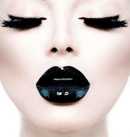 MondiArt Girl black lips closed eyes