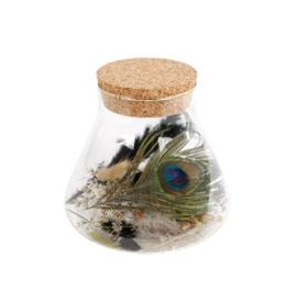 Droogbloemen in erlenmeyer met kruk pauw
