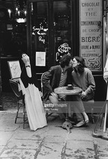 MondiArt Kissing at the cafe Paris 24/30