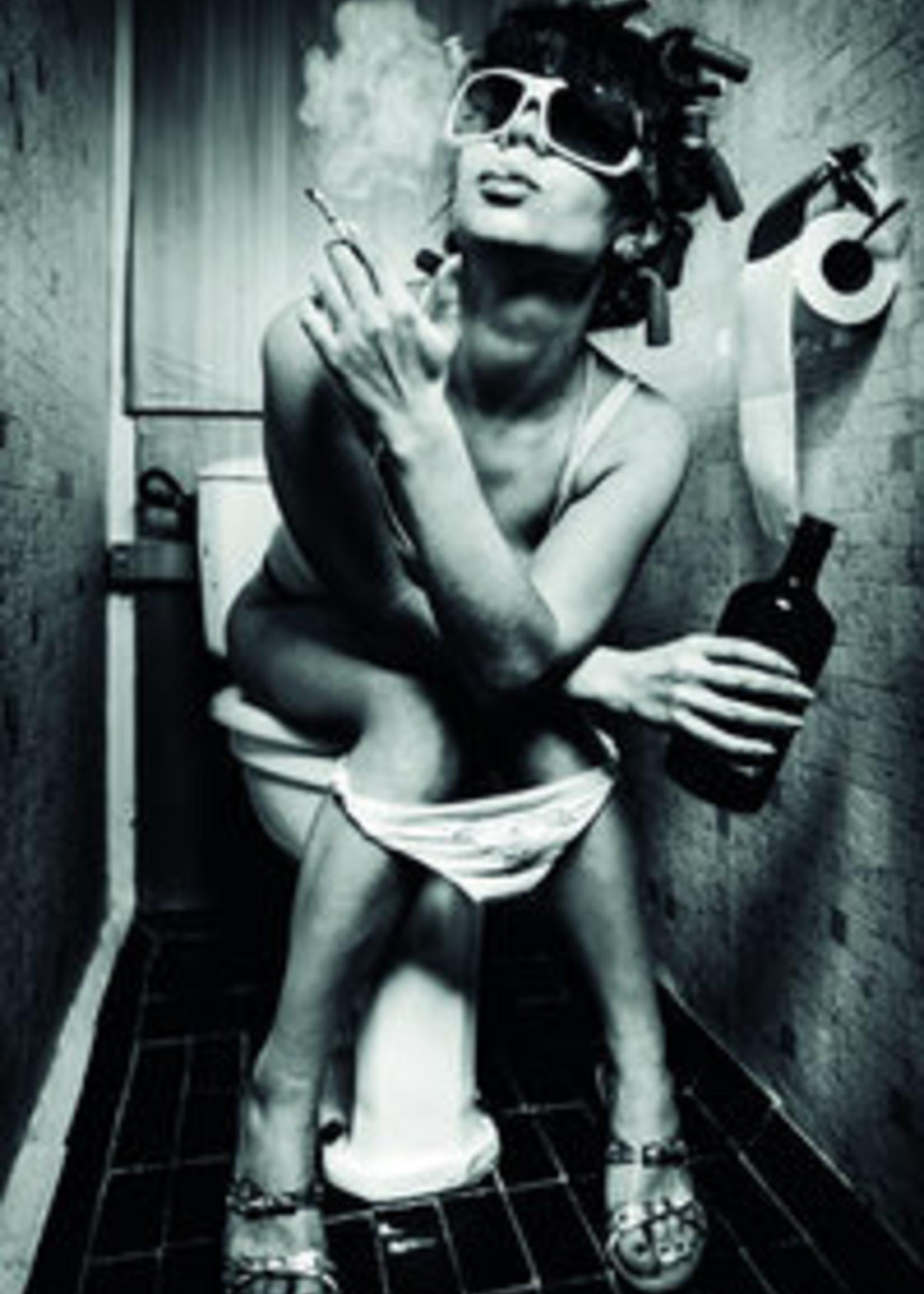 MondiArt Girl on the toilet with cigarette 60/80
