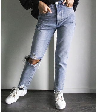 Ripped Knee Mom Jeans