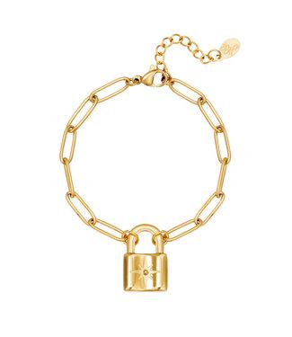 Chunky Lock Bracelet