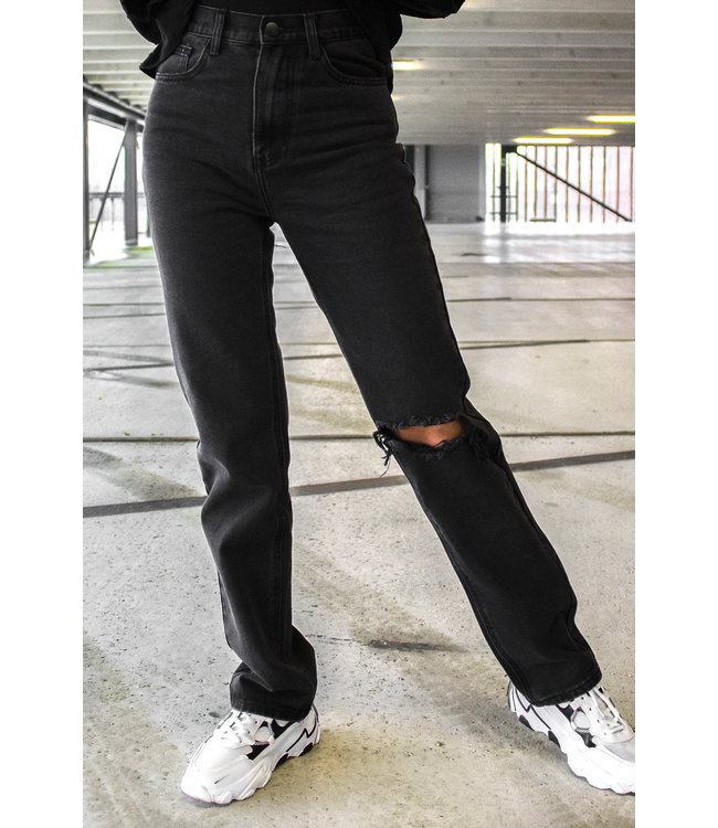 Straight Leg Jeans / Black