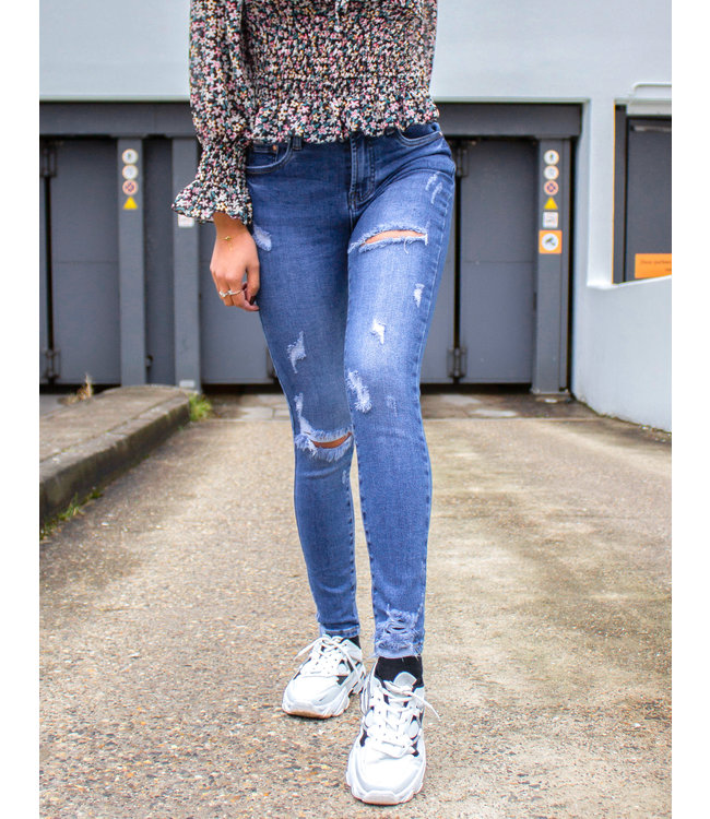 Super Ripped Skinny Jeans
