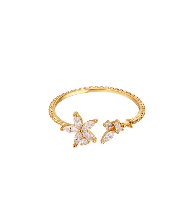 Gold Elegant Flower Ring