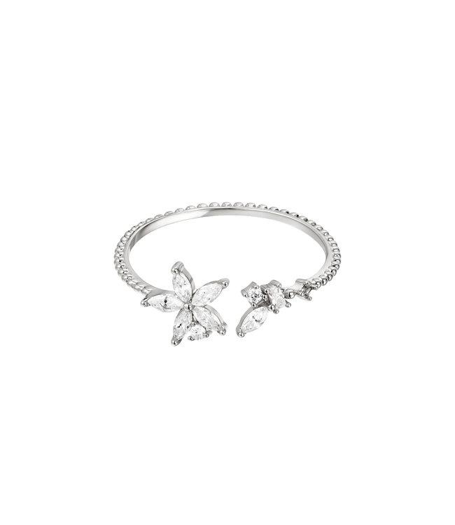 Silver Elegant Flower Ring