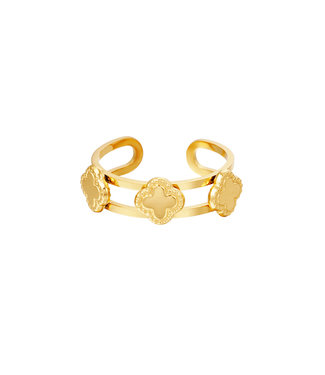 Three Clovers Ring