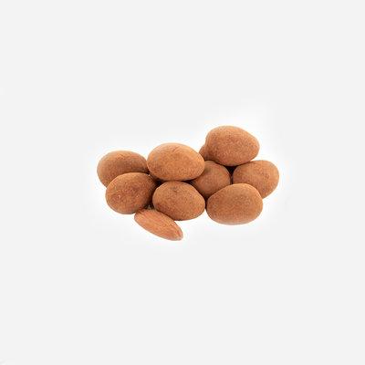 Amandelen* - melkchocolade* & kaneel*