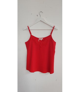 Singlet lace button, Red