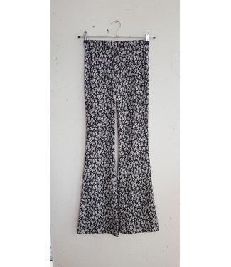 Pants flared flowers, Black white