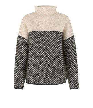 Second female Herrin knit T-neck, Black