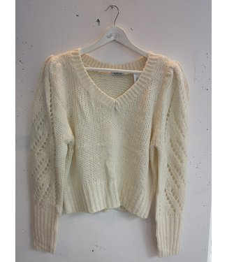 Sweater knitted special sleeves, Creme