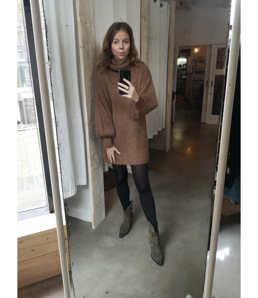 ~ How to style ~ Sweaters & Boots