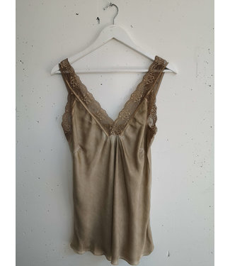 Singlet big lace, Golden brown