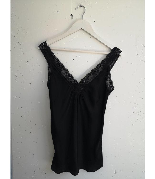 Singlet big lace, Black