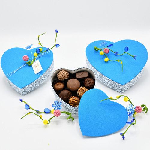 Hemelsblauw hart (16 cm)