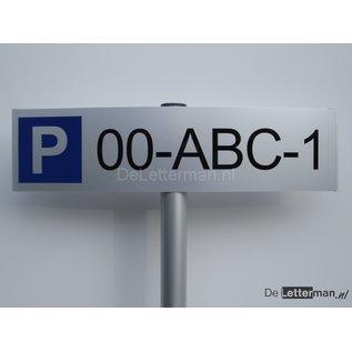 Parkeerbord met Kenteken op paal