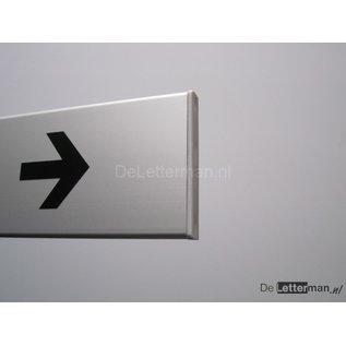 Toiletbordje met richtingpijl