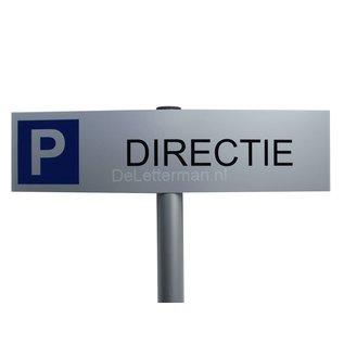 Parkeerbord Directie op paal