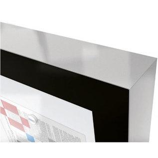 Vitrine Edge 160x112cm en 8 cm dik met 2 gasveren en zwart kader