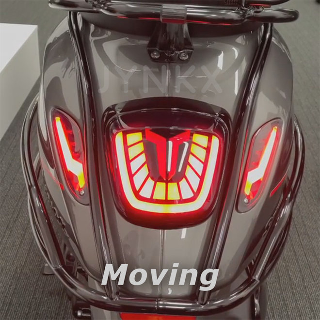 Achterlicht Aplus ''bull'' moving Vespa Primavera / Sprint LED tube smoke