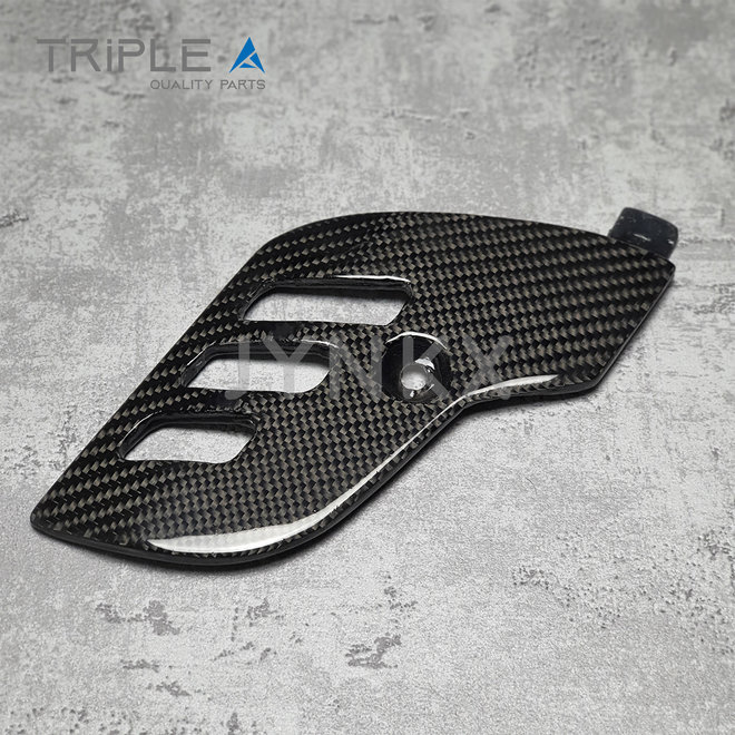 Carbon fiber beschermkap schokbreker model 2 Vespa Primavera / Sprint - Triple A