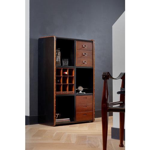 Authentic Models Endless Regency 6 Black Interior