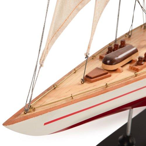 Authentic Models Endeavour L60 - Red